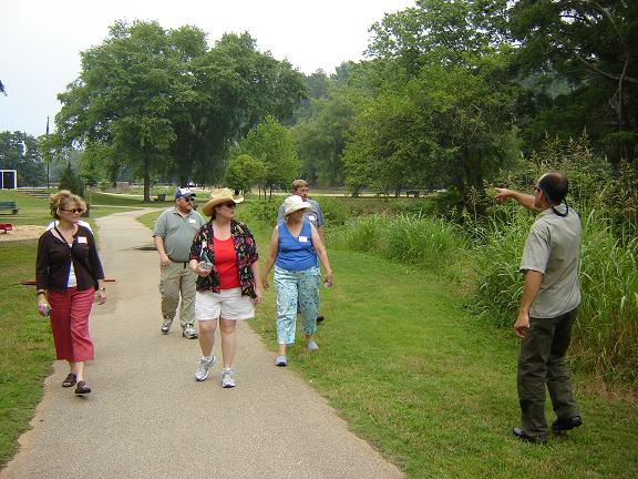 Participants walking along Cleveland Park's floodway  ©  John Tynan, 2006